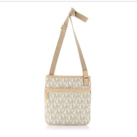 ba5dd5004dae Michael Kors Bags | Cross Body Bag | Poshmark